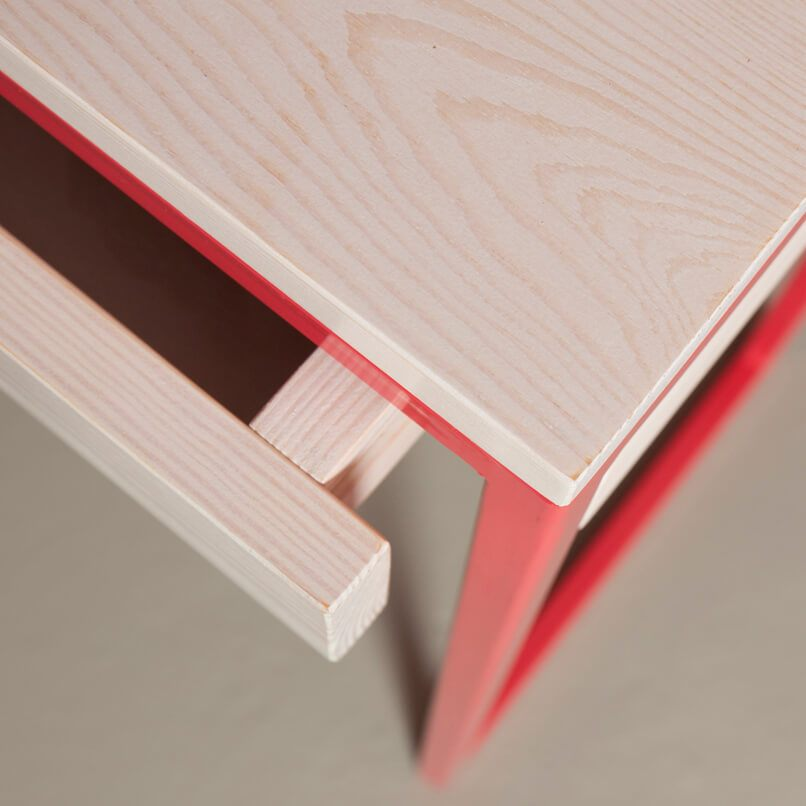 Strawberry red upcycling console table with a drawer. Handmade and designed by JOHANENLIES in Berlin